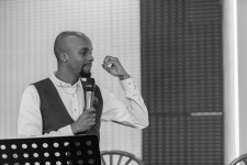 Mugambi Nthiga, the Master of Ceremony at Stories of Courage: June Edition. Image by Amos Ndumos Photography.